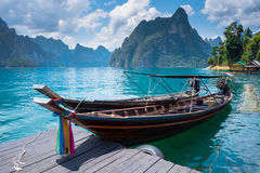 Barco en el lago Imagenes de archivo