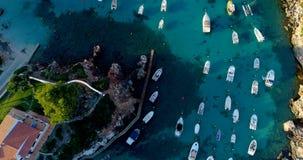 Barco en el mar en la visión aérea Fotografía de archivo
