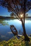 Barco en el río Imagen de archivo libre de regalías