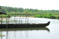 Barco en el río Fotografía de archivo