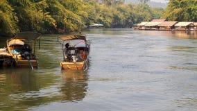 Barco en el río Imagenes de archivo