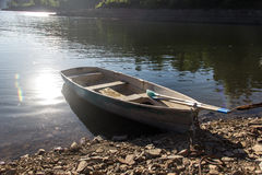 Barco en el río de Enisey fotografía de archivo libre de regalías