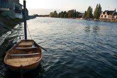 Barco en el río del Rin Alemania fotografía de archivo