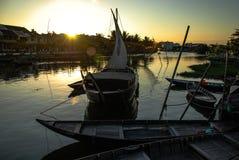 Barco en el río en Hoi An, Vietnam Imagen de archivo libre de regalías