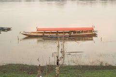 Barco en el río Mekong Fotos de archivo libres de regalías