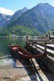 Barco en Hallstatt Imagen de archivo
