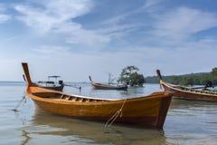 Barco en Koh Mook Coast Line Fotografía de archivo