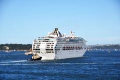 Barco en la bahía del berberecho (Sydney) en Nuevo Gales del Sur, Australia Imagen de archivo libre de regalías