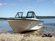Barco en la playa foto de archivo libre de regalías
