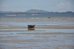 Barco en la playa Fotografía de archivo