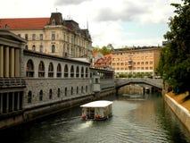 Barco en Ljubljana Fotos de archivo libres de regalías