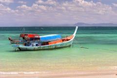 Barco en paraíso Imágenes de archivo libres de regalías