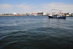 Barco en puerto de los Hel imagen de archivo