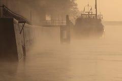 Barco en un río Fotografía de archivo