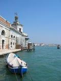 Barco en Venecia Foto de archivo libre de regalías