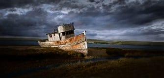 Barco encalhado fotografia de stock royalty free