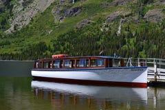 Barco entrado no lago foto de stock royalty free
