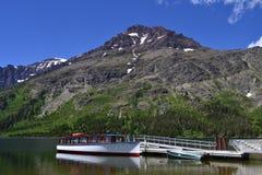 Barco entrado no lago imagem de stock royalty free