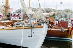 Barco feito da madeira imagem de stock