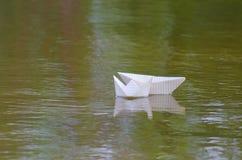 Barco feito do papel Fotos de Stock Royalty Free