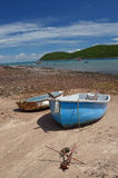 Barco gêmeo na praia o Golfo da Tailândia Foto de Stock