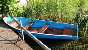 Barco hermoso del lago Resto Rusia Foto de archivo