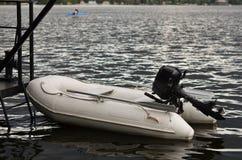 Barco inflable del rescate Imagenes de archivo
