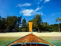 Barco a la isla de Koh Bulone en Satun Fotografía de archivo