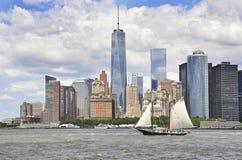 Barco lento a Nueva York imagen de archivo