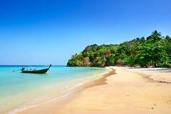 Barco local em Tailândia imagens de stock