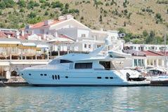 Barco luxuoso branco Imagem de Stock Royalty Free