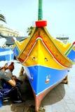Barco maltês de pintura, Marsaxlokk, Malta. Imagem de Stock Royalty Free