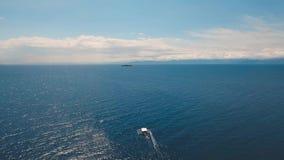 Barco a motor no mar, filme