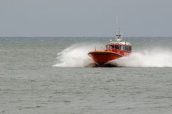 Barco a motor no mar Imagem de Stock Royalty Free