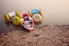 Barco na água Imagens de Stock Royalty Free