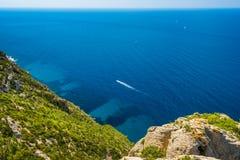 Barco na baía do ` Azur da costa d Fotografia de Stock