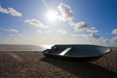 Barco na costa Foto de Stock Royalty Free