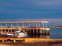 Barco na maré baixa Fotos de Stock Royalty Free