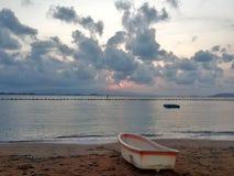 barco na praia do tha Fotografia de Stock