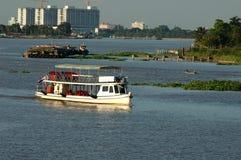 Barco no chao Phraya River, Tailândia Fotografia de Stock
