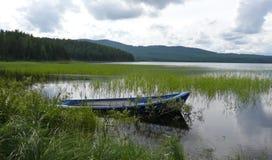 Barco no lago Fotografia de Stock Royalty Free