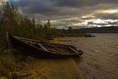 Barco no lago Imagens de Stock Royalty Free