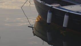 Barco no porto video estoque