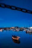 Barco no porto no crepúsculo Fotografia de Stock