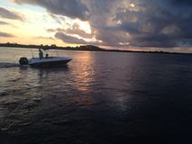 Barco no rio Imagem de Stock