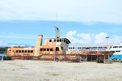 Barco oxidado velho fotografia de stock