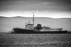 Barco oxidado velho Fotos de Stock