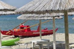 Barco para el rescate en la playa Imágenes de archivo libres de regalías