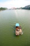 Barco pequeno dos peixes imagens de stock