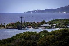 Barco pirata en puerto Fotografía de archivo libre de regalías